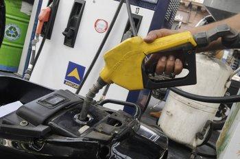 El Poder Ejecutivo anunció suba de los combustibles y recibió críticas de la oposición