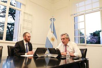 El ministro de Economía argentino, Martín Guzmán, junto al presidente Alberto Fernández