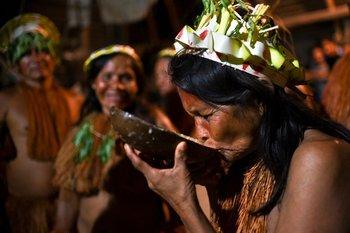 Una mujer indígena del pueblo Yagua , en Santa Sofía, departamento colombiano de Amazonas