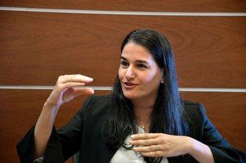 La directora de Política Económica del MEF Marcela Bensión.