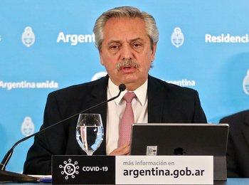 El presidente de Argentina, Alberto Fernández, durante una conferencia de prensa en la Quinta Presidencial de Olivos