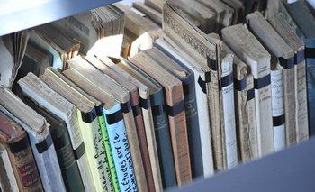 Libros de la Biblioteca Central de Secundaria.
