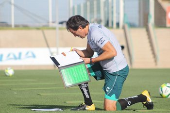 Guillermo Almada en su primer entrenamiento en Santos Laguna de México en abril de 2019