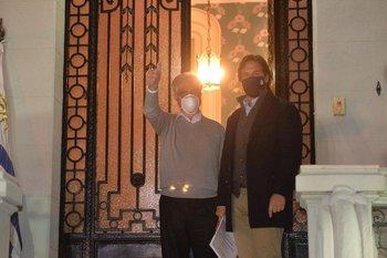 Tabaré Vázquez y Luis Lacalle Pou, en la casa del expresidente.