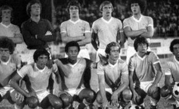 EL ONCE. Bica, Álvez, Krasouski, Mario Saralegui y Enríquez; Russo, Moreira, Diogo, Nadal, Rivero y Ramos