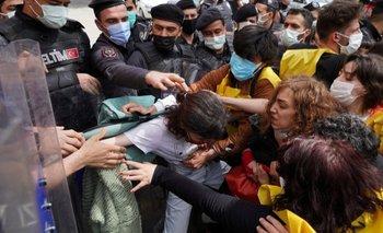 En Turquía hubo enfrentamientos con la policía