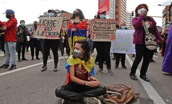 Manifestación en plaza de Bogotá en Colombia.