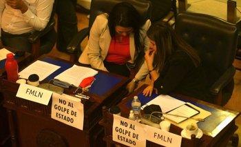 Los parlamentarios de El Salvador aceptaron con 64 votos a favor, 19 en contra y un ausente destituir a los magistrados de la Sala de lo Constitucional de la CSJ