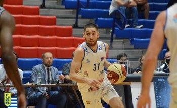 Alex López, 3 puntos y 4 rebotes