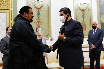 El encuentro entre Seagal y Maduro fue en el palacio presidencial de Miraflores