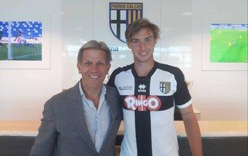 El presidente de Parma, Kyle Krause, presentó al ex Peñarol, Matías Mir