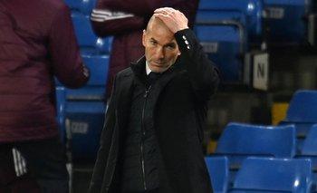 Zinedine Zidane en un partido de la Champions League con Real Madrid