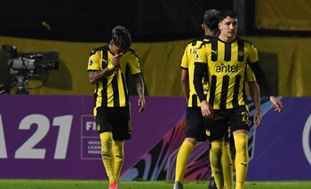 Facundo Torres pateó mal el penal pero igual entró