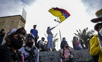 Protestas en las calles de Colombia se extienden más allá del proyecto de reforma tributaria