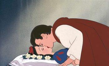 De final feliz a momento criticado: el beso de Blancanieves