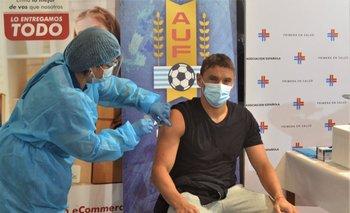 Gonzalo Bergessio recibe la vacuna