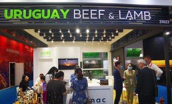 Stand del INAC en una nueva feria de promoción de carnes y concreción de negocios en China.