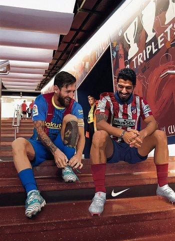 Lionel Messi de Barcelona y Luis Suárez, de Atlético de Madrid, compartieron el después del partido