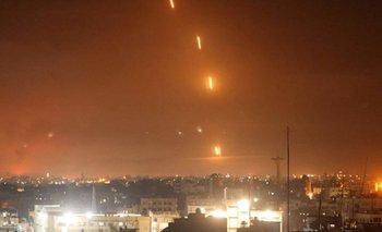 Hamás disparó un creciente números de cohetes sobre varias ciudades israelíes.