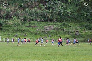El plantel de Nacional en Pereira, Colombia, donde enfrentará a Atlético Nacional de Medellín por Copa Libertadores