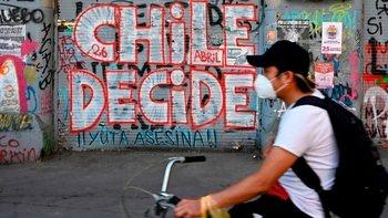 En un clima convulso en América Latina, exacerbado por la pandemia y con Colombia como ejemplo más actual, se observa el proceso de Chile como un posible ejemplo