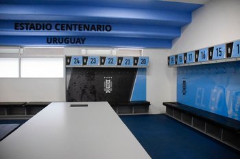 El vestuario locatario fue remodelado a gusto de Tabárez y los jugadores de la selección