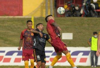 Villa Española y Progreso abrieron el Campeonato Uruguayo 2021