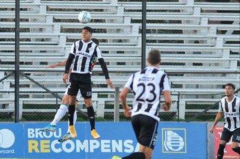 Hernán Rivero, delantero de Wanderers