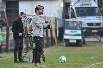 Juan Manuel Martínez sustituye a Carreño en el banco de Wanderers