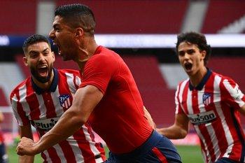 El festejo de Luis Suárez para el triunfo
