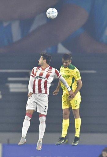 Nico Rodríguez y Mathías Goyeni luchan de arriba