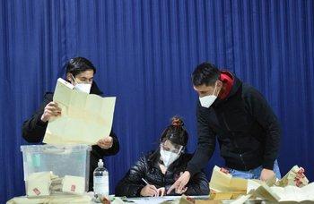 Recuento de votos en las mesas electorales