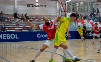 Gabriel Palleiro en acción ante Alianza Platanera