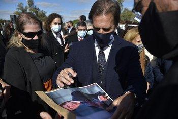 Quienes critican el manejo de la pandemia son el 28%, una proporción idéntica a la que desaprueba el desempeño presidencial (30%)