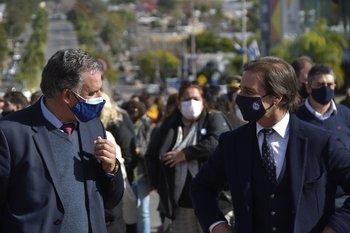 Yamandú Orsi y Luis Lacalle Pou en el acto conmemorativo de la Batalla de Las Piedras