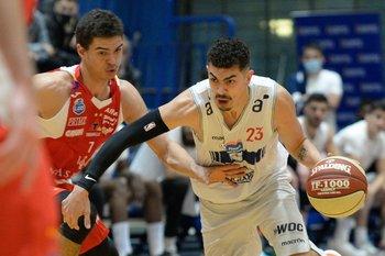Erick Flor, figura con 21 puntos y 5 asistencias