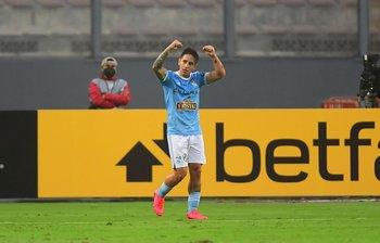 Alejandro Hohberg, golazo para el 1-0