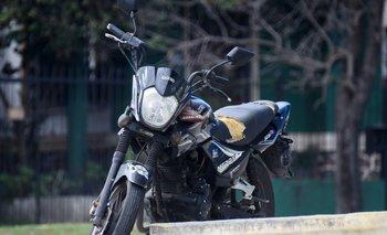 Cero kilómetro por ocho años: el reclamo por las patentes de motos en tres intendencias.
