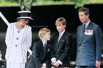 Diana, Harry, William y Carlos