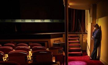 """""""Teatro en Montevideo"""", la versión de """"New York Movie"""" del colectivo Primer Ensayo  y el fotógrafo Alejandro Persichetti"""