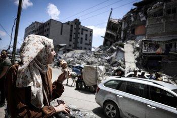 Los equipos de rescate siguen buscando supervivientes entre los escombros