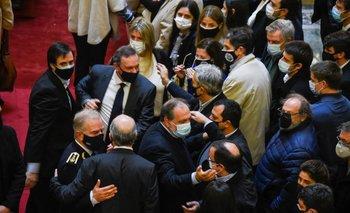 MSP multó al Palacio Legislativo por incumplir los protocolos sanitarios durante el velorio de Larrañaga