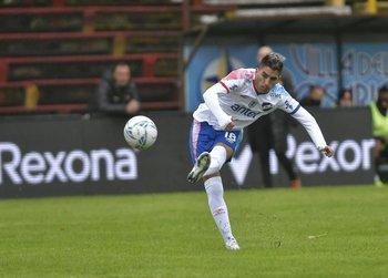 Leandro Fernández le tiene que cambiar la cara al equipo