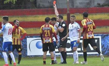Rodrigo Rojo fue expulsado tras una infracción contra Rafael García
