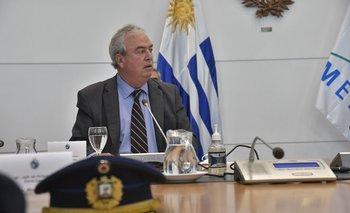 Luis Alberto Heber reunido en Torre Ejecutiva con los jefes de policía