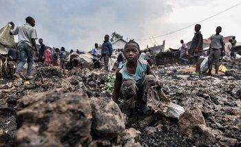 Desesperada búsqueda de más de 170 niños desaparecidos tras la erupción de uno de los volcanes más activos del mundo