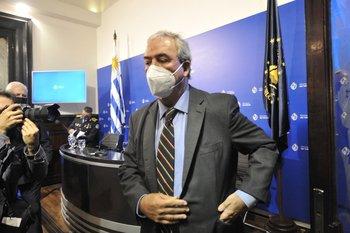 Luis Alberto Heber en conferencia de prensa