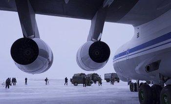 El aeródromo de la isla Alexandra está a más de dos horas de vuelo de Murmansk, en el noroeste de Rusia