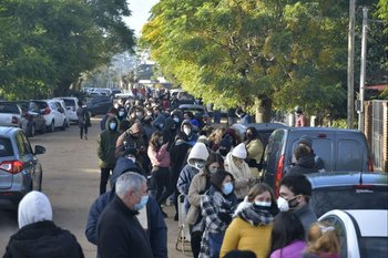 Miles de personas apostaron por conseguir un cupo para ser vacunadas entre este miércoles y jueves