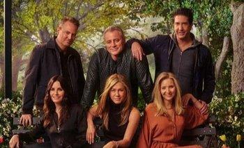 Los seis actores regresaron a los estudios donde grabaron la icónica sitcom